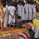 Серия 13 Непал — Кремация чиновника, храм Камасутры, король Мустанга и Тибетский Новый год