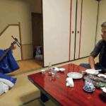 Серия 15 Япония — Поединок с борцом сумо и секреты гейш